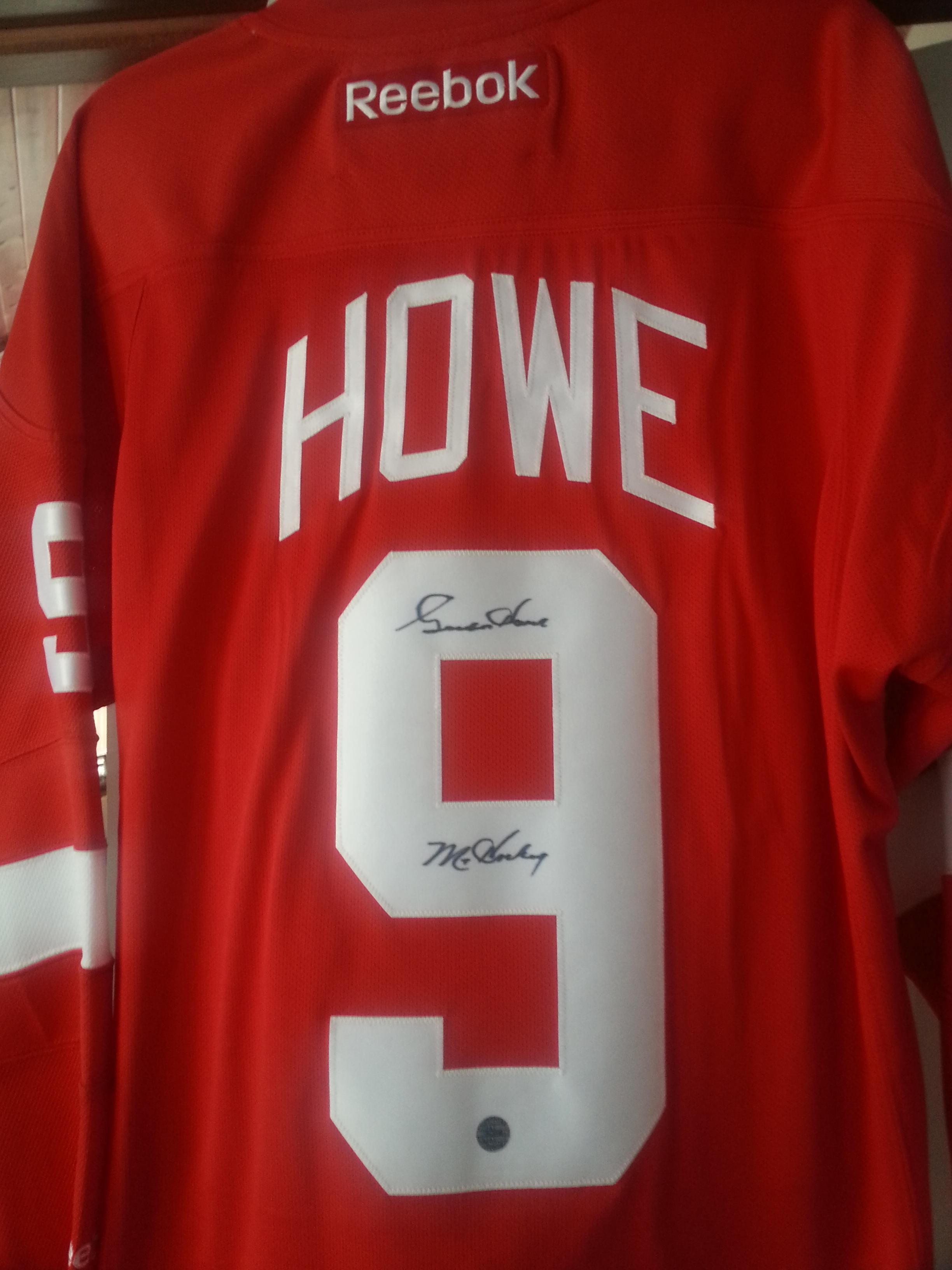 Gordie Howe Signed Hockey Jersey!