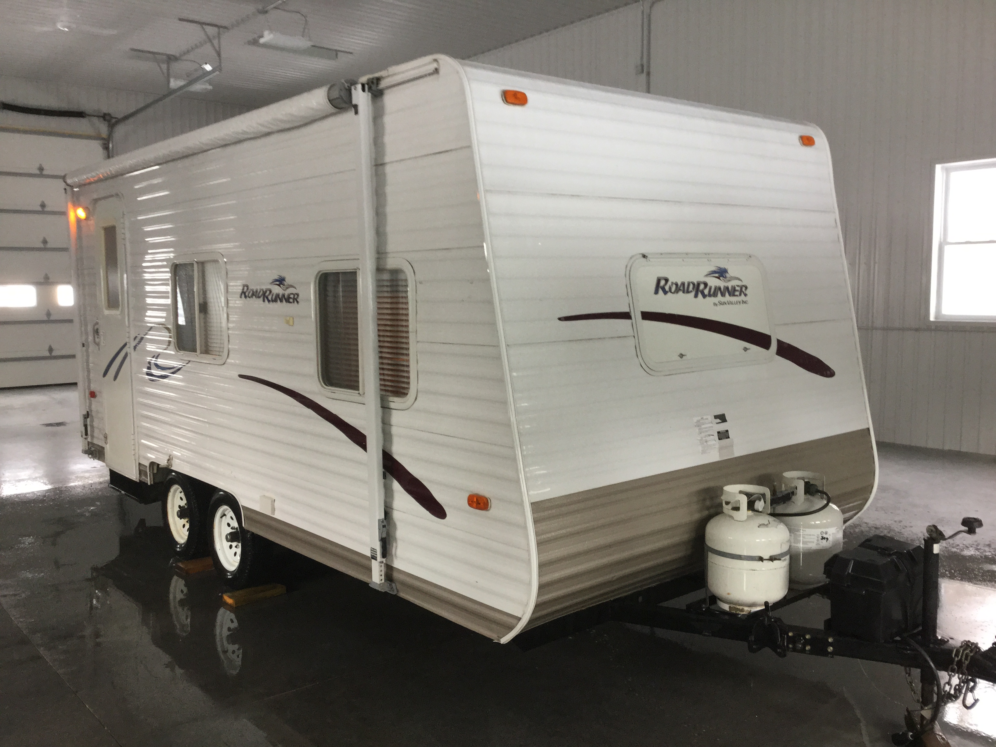 Extra clean 2003 Travel Trailer – sleeps 4  SOLD!!
